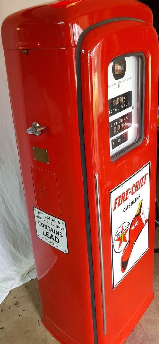 Gas pump - Wayne Model 80 restored - 3