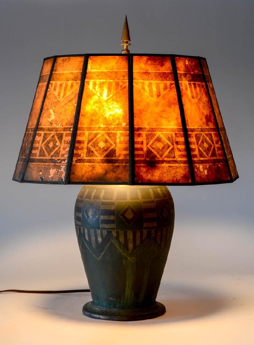 L'Autum Art Deco table lamp