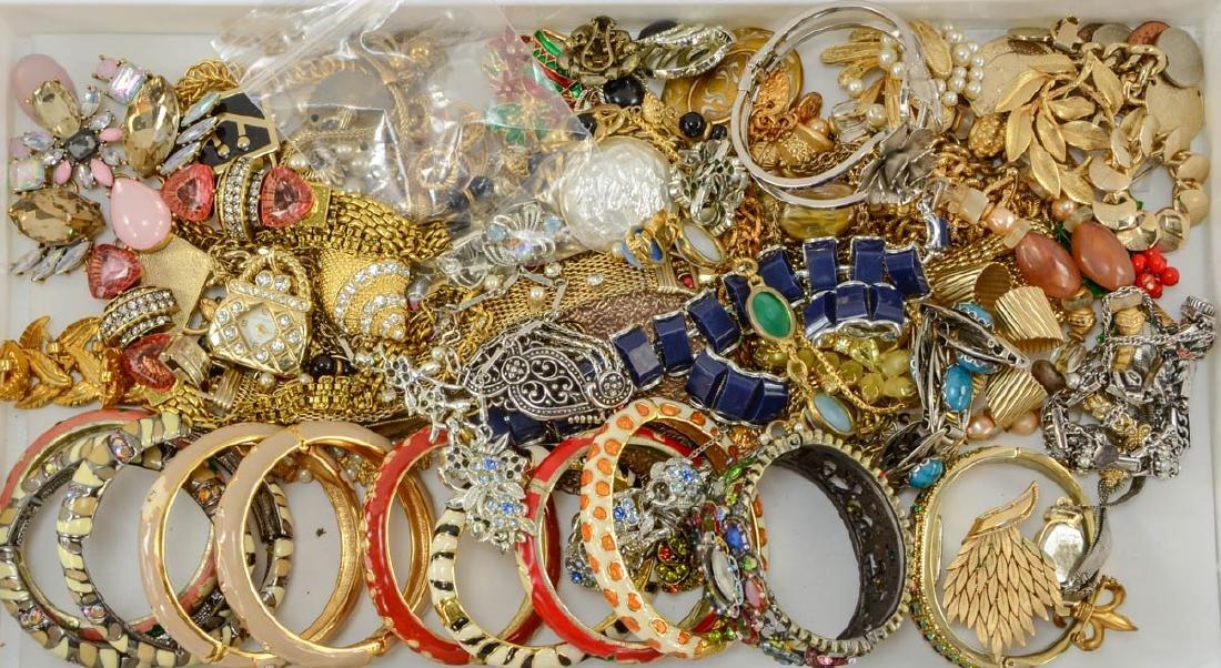 2 trays of fashion jewelry - 3