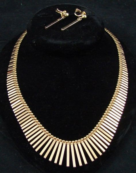 6: 18K Necklace and earrings set
