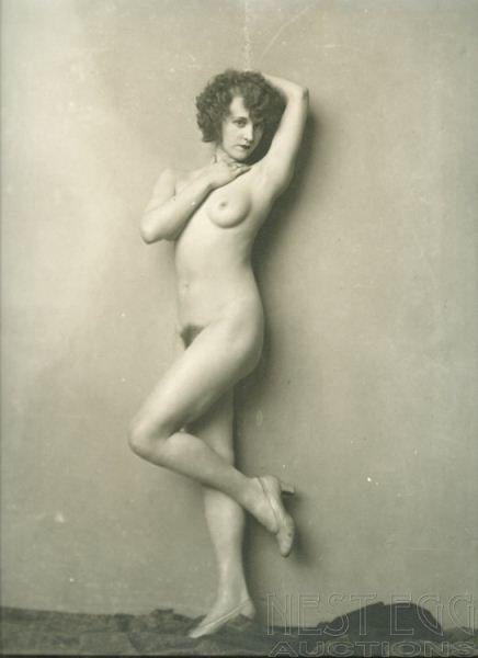256: Alfred Cheney Johnston: 5 unidentified nudes
