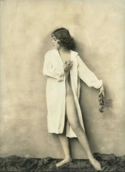 256: Alfred Cheney Johnston: 5 unidentified nudes - 2