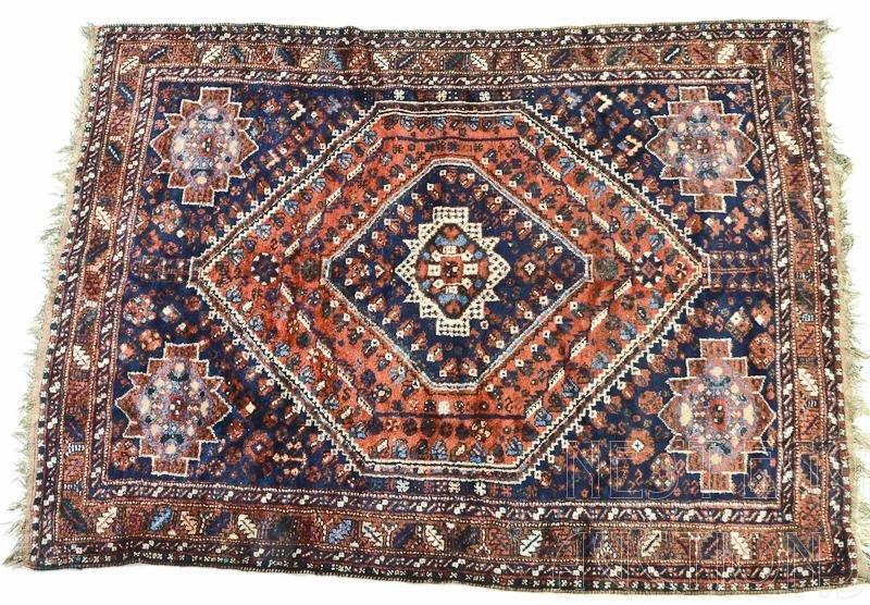 Persian Heriz Rug / Carpet