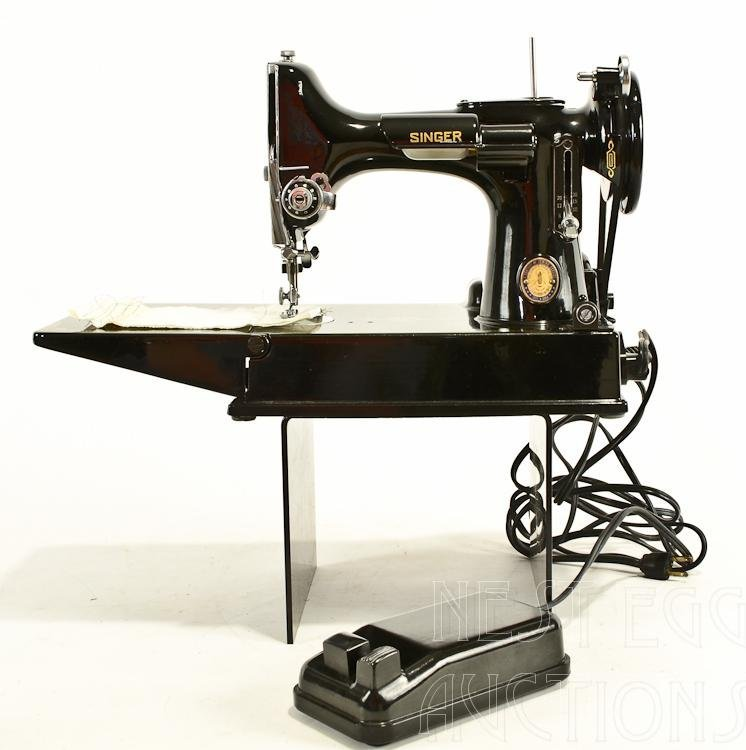 Centennial Singer 221 Featherweight Sewing Machine - 2