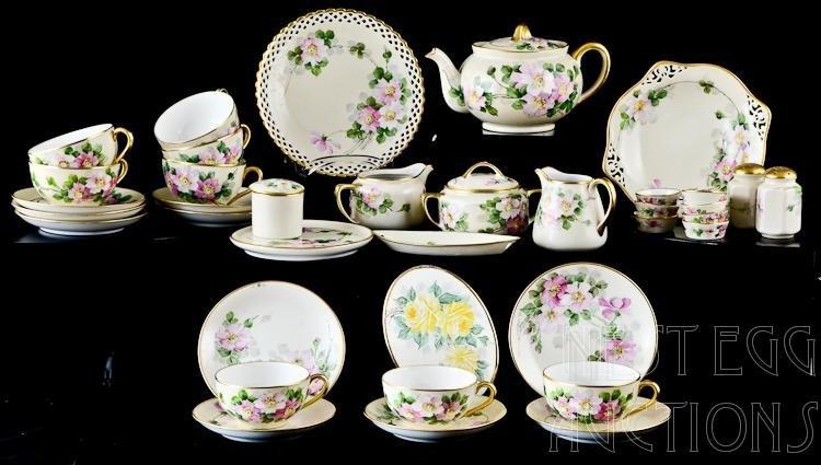 37 Piece Walter Wilson Wild Rose Porcelain Lot