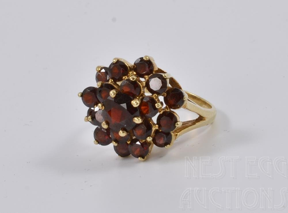 Ladies 14K Gold & Garnet Cocktail Ring