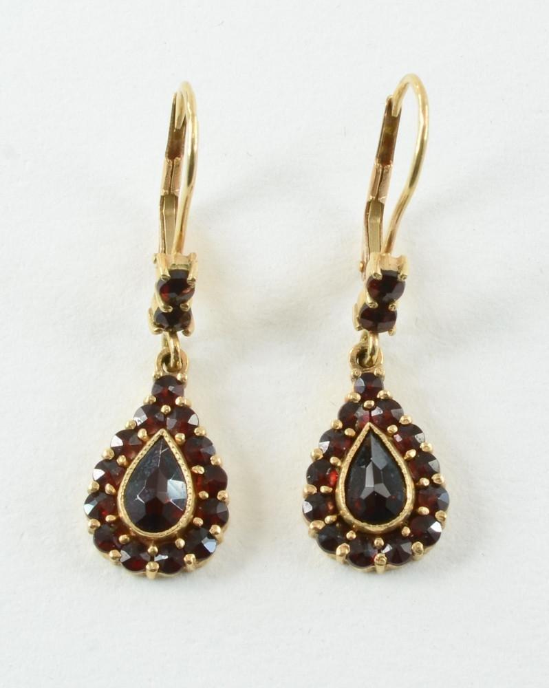 Ladies 14K Garnet Teardrop Earrings