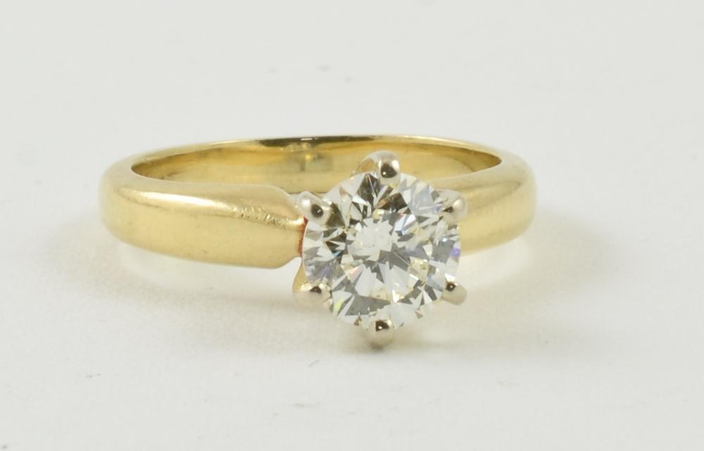 Ladies 14K Diamond Solitaire Engagment Ring