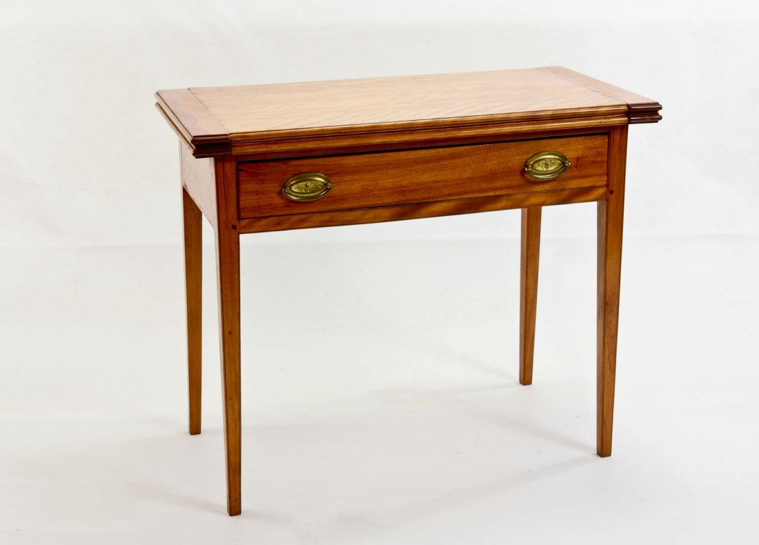American Antique Games Table