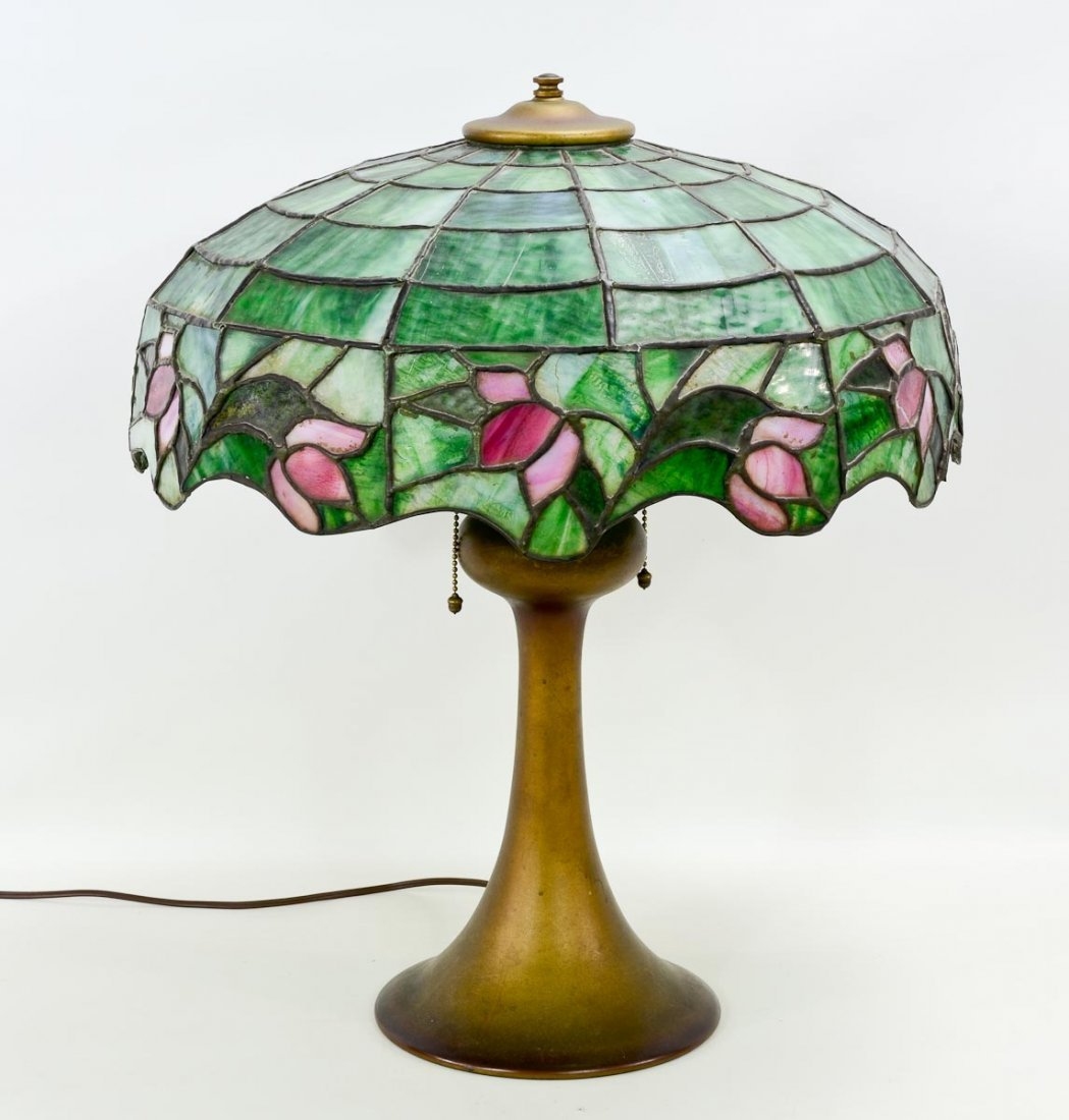Arts & Crafts Leaded Glass Table Lamp