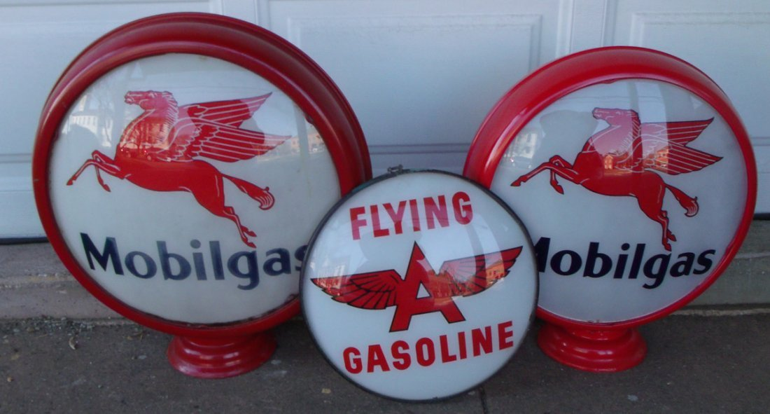 2 Mobil gas globes