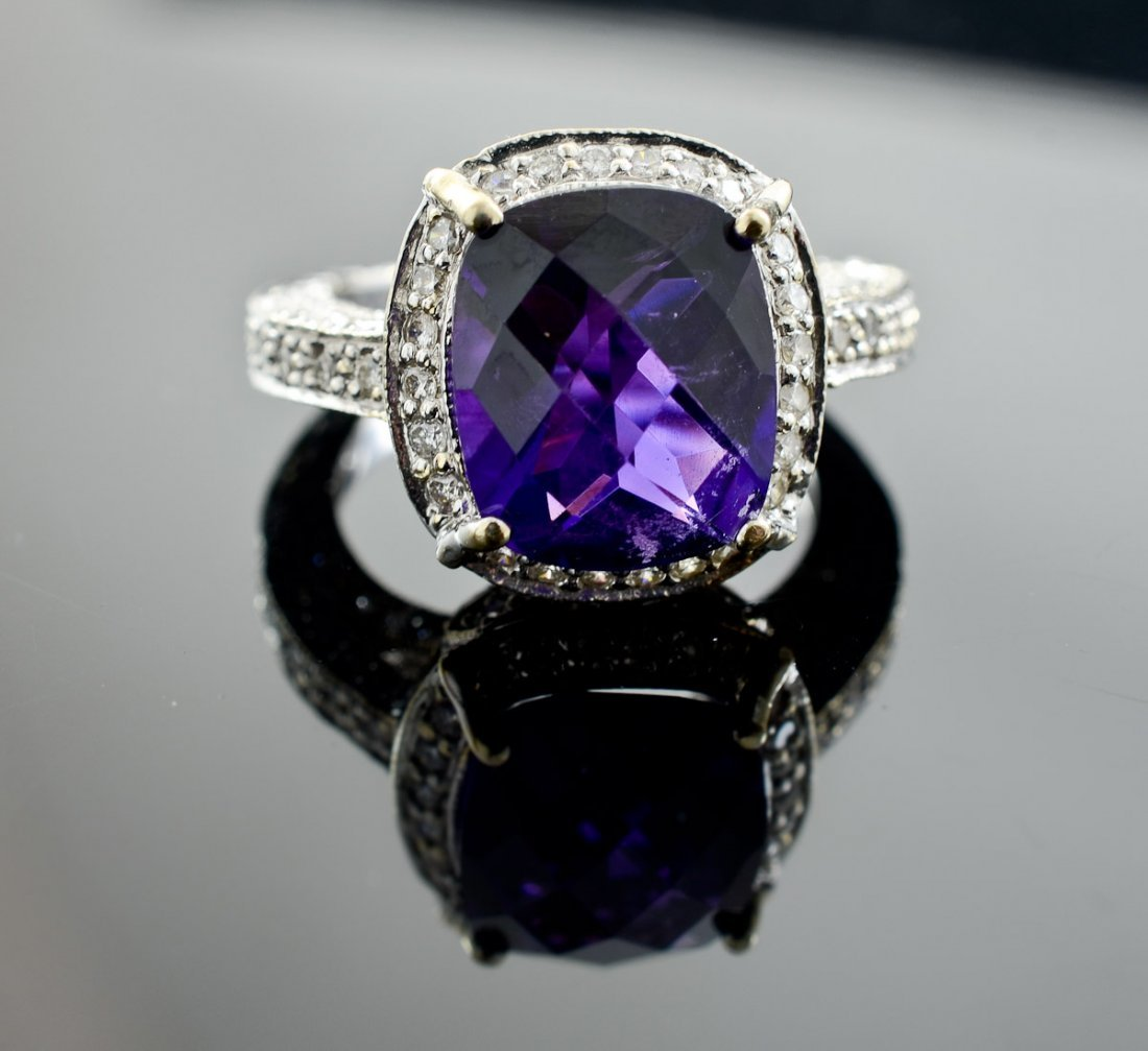Ladies 18K Amethyst and Diamond Ring