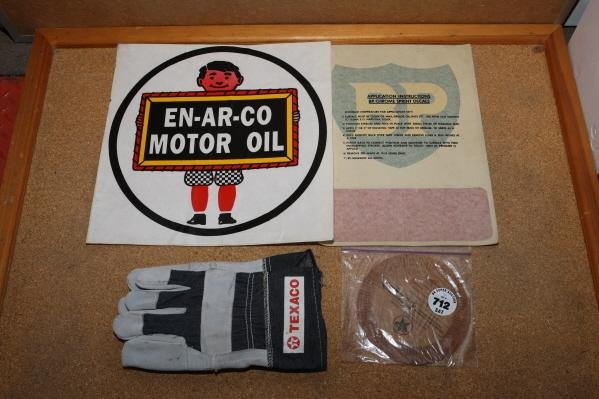 712: Enarco & BP decals, gloves and mileage meter