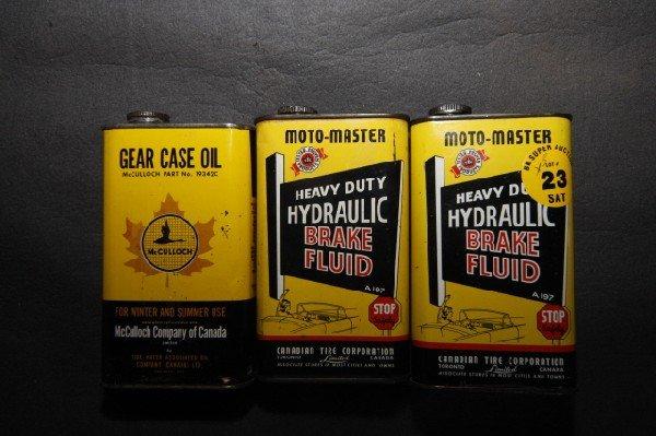 23: 3 Moto Master break fluid tins