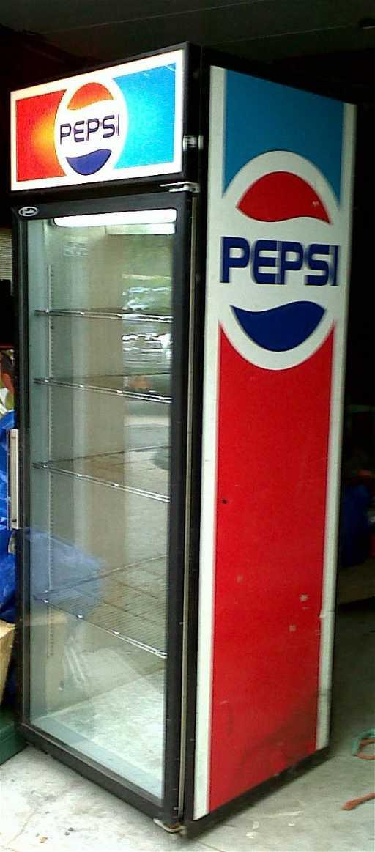 Coca Cola Fridge >> 462: 1970's upright pepsi cooler fridge