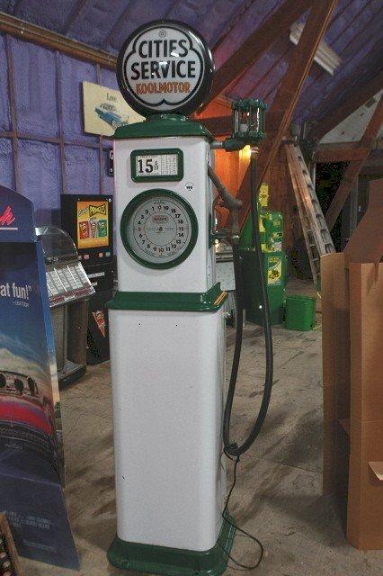 195: Bennett clock face gas pump Cities Service