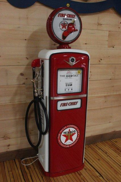 957: TEXACO FIRE CHIEF GAS PUMP