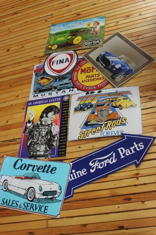 9 reproduction tin signs