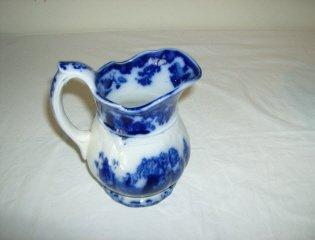 30: Scinde floe blue creamer