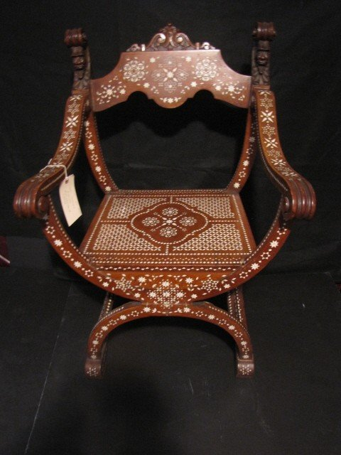 20: Savanarola Chair
