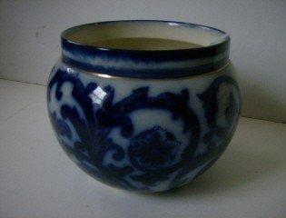 6: Flow blue jardinere