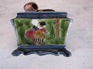 9: Majolica pipe covered box
