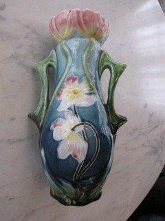 """11: Majolica 7"""" vase"""
