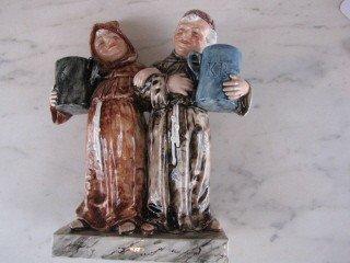 13: Majolica double figurines