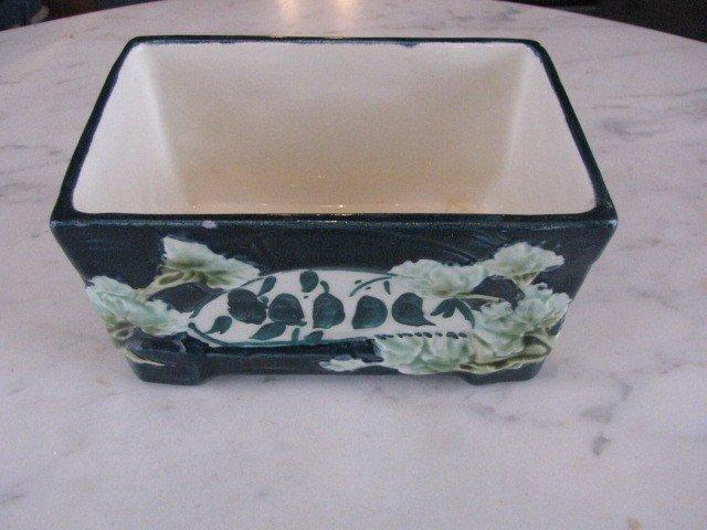 18: Chezk  majolica open box
