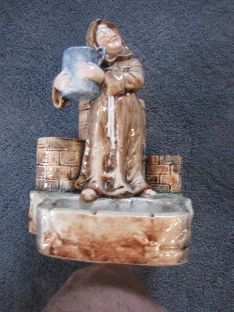 15: smoking tray w/monk and barrell