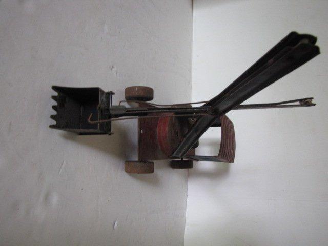 76: Tin toy steam shovel - 4