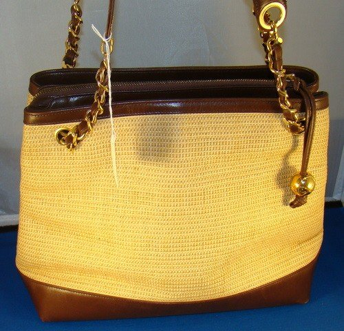 10: AUTHENTIC COCO CHANEL LEATHER PURSE
