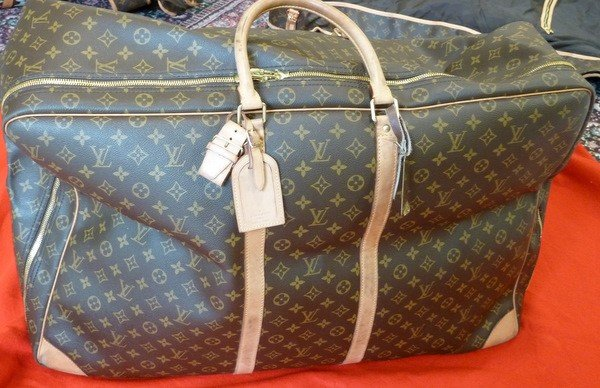 5: AUTHENTIC LOUIS VUITTON SOFTSIDED LUGGAGE