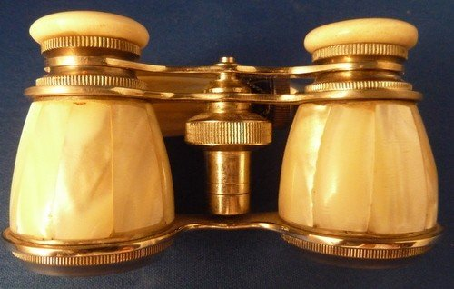 10: ANTIQUE MOTHER-OF PEARL OPERA GLASSES