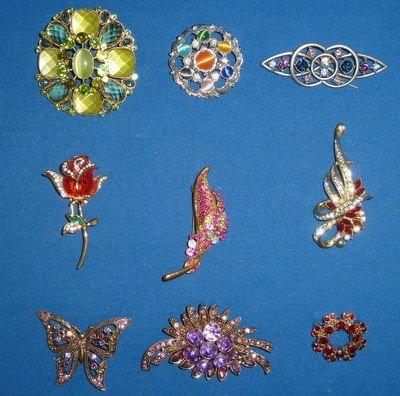 308: LOT OF LADIES PINS COSTUME JEWELRY
