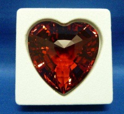 313: SWAROVSKI RED HEART NIB