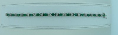 22: EMERALD AND DIAMOND BRACELET