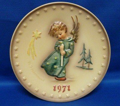 8: RARE 1971 HUMMEL YEARLY PLATE