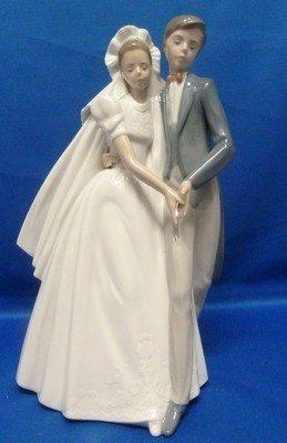 21: BEAUTIFUL NAO FIGURINE OF THE WEDDING