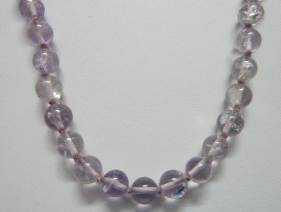 22: PALE AMETHYST BEAD NECKLACE