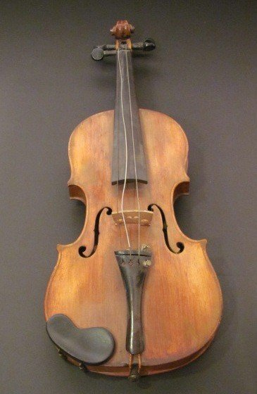 4: Klotz violin produced in Mittenwald Germany by the f