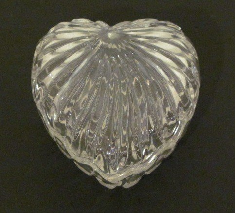 20: Heart Shaped Crystal dish with lid has scalloped ed