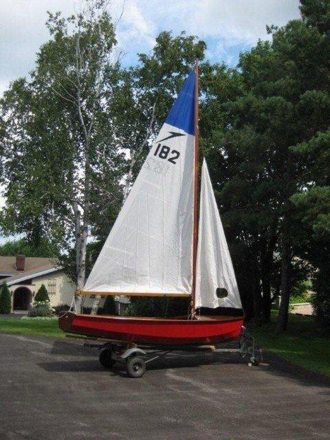 7: 14 Feet 1960 Southhampton Leader Sailboat