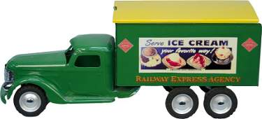967: Vintage Metal Buddy 'L' Delivery Box Toy Truck