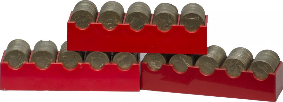 861: Lot Of 300 Vintage Dollar Size Slot Machine Tokens
