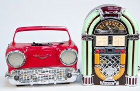 620: Lot of 2 1950s Motif Countertop Radios: