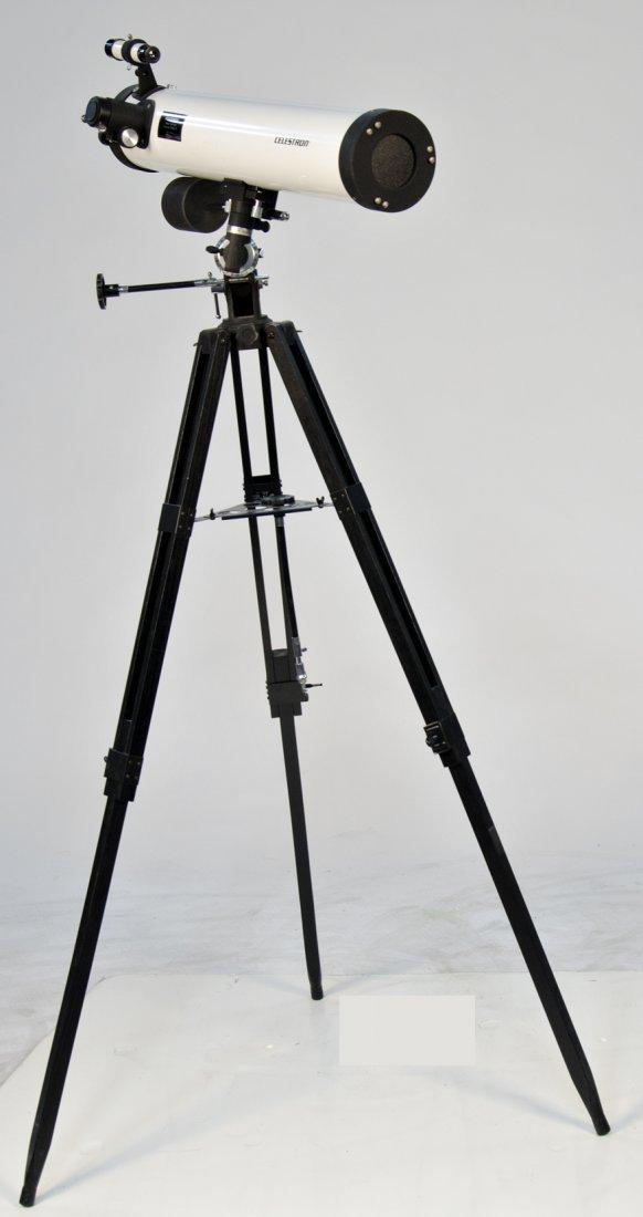 926: Large Celestron 76mm Newtonian Telescope w/ Tripod