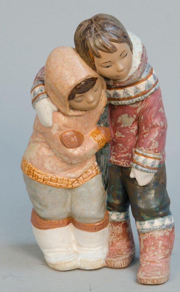 Lladro Figural Porcelain Eskimo Couple Decorative Statu