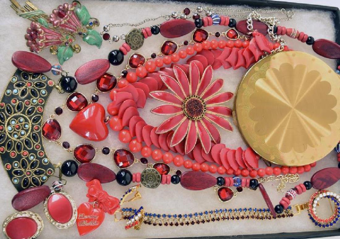 Wadsworth Compact And Costume Jewelry