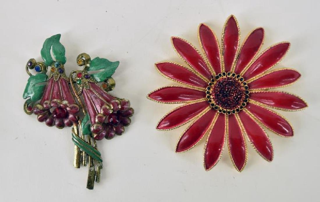 Wadsworth Compact And Costume Jewelry - 2